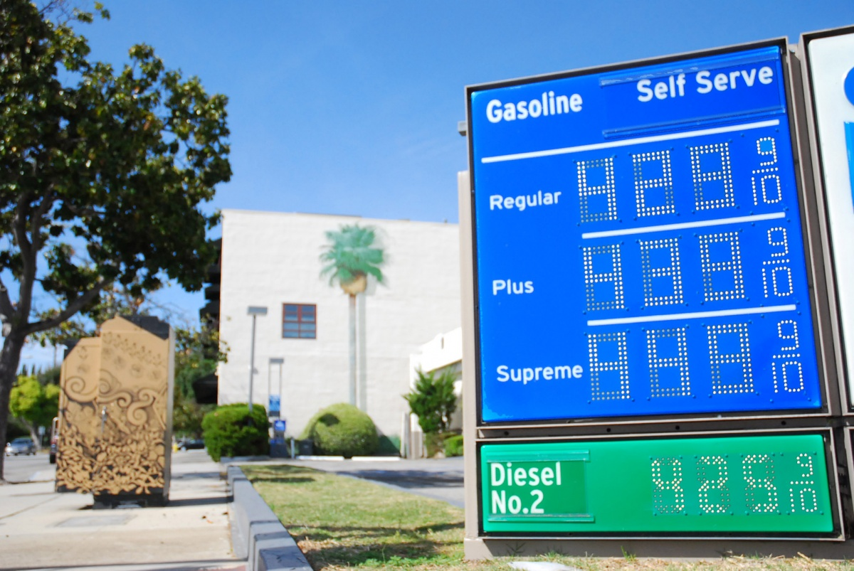 Gas Prices In California >> So Cal Gas Prices Skyrocket South Pasadena Stations Surpass 4