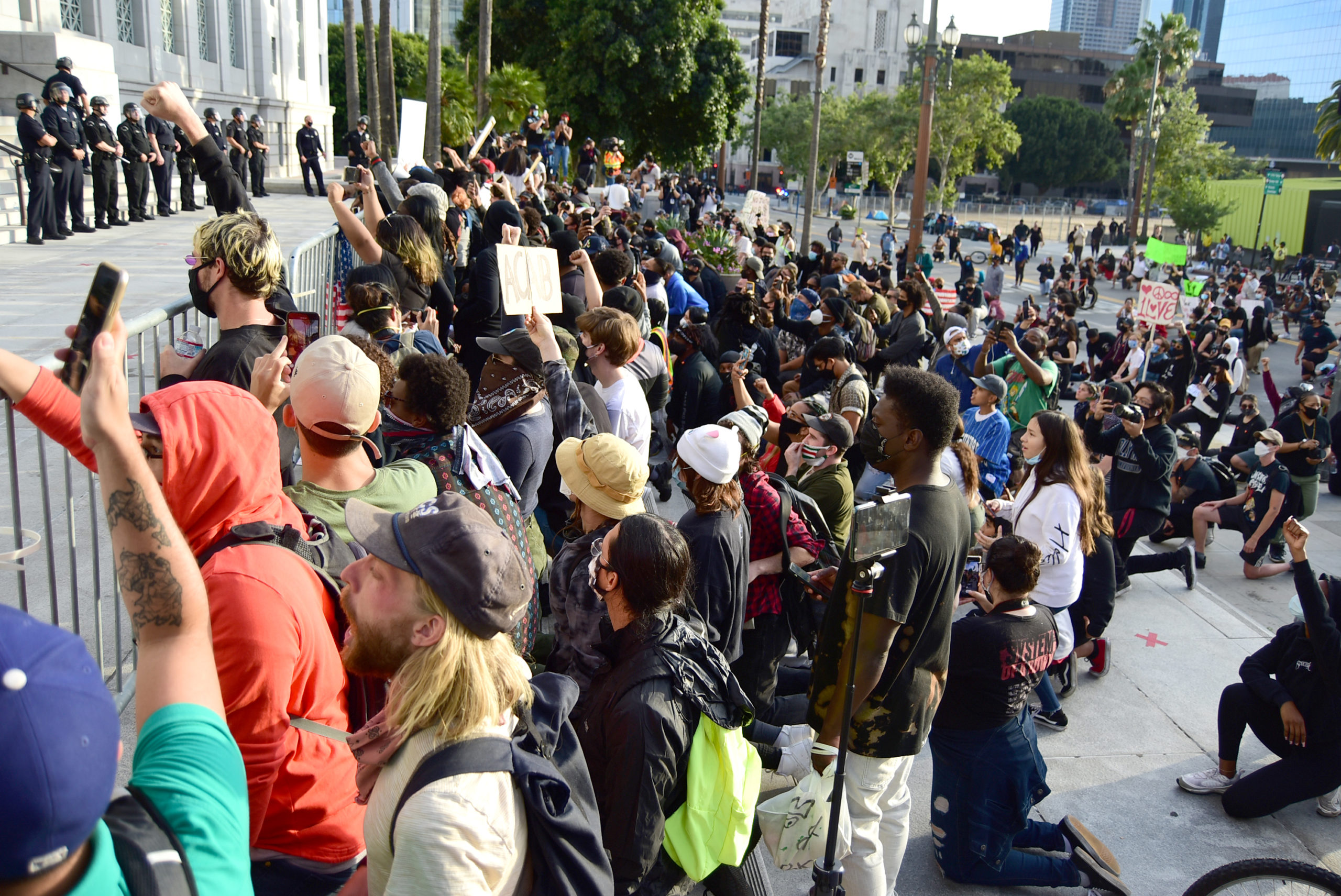 south-pasadena-news-05-31-2020-george-floyd-blm-black-lives-matter-protests-los-angeles-day-2-111