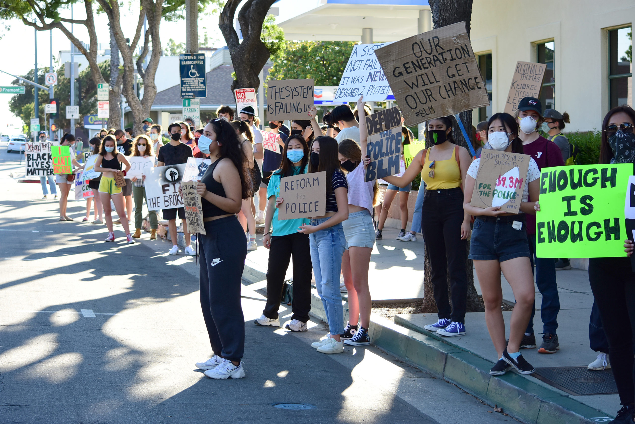 south-pasadena-news-06-12-2020-blm-black-lives-matter-sp-youth-for-police-reform-protest-city-hall-mission-st-24