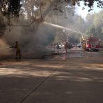 south-pasadena-news-08-27-17-brush-fire-on-arroyo-drive-quickly-extinguished-in-blazing-heat-02