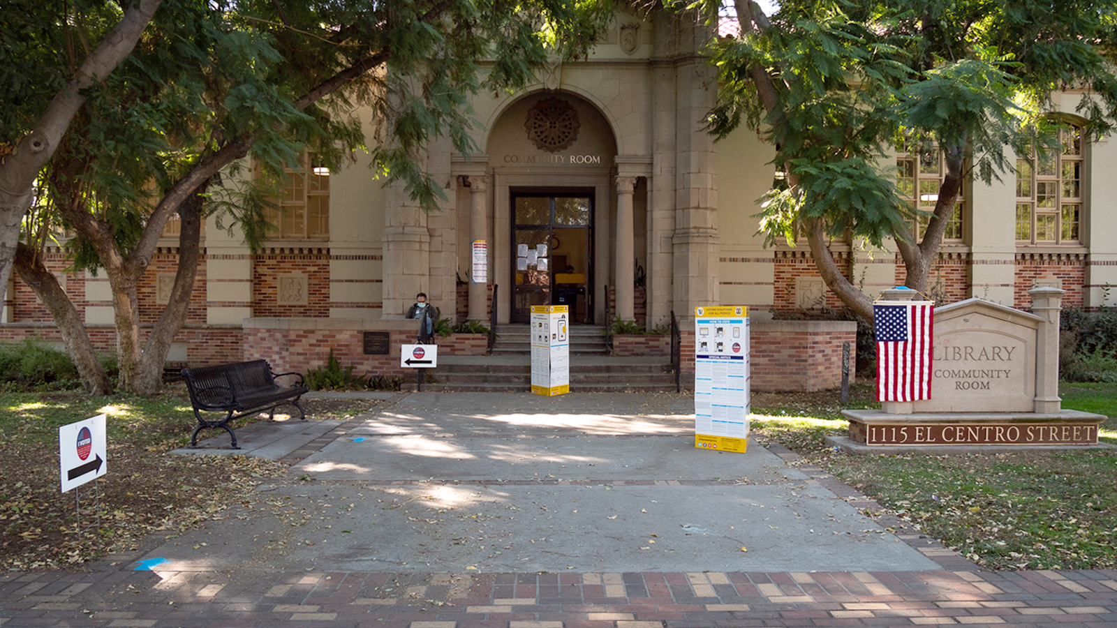 south-pasadena-news-10-28-2020-elections-vote-center-community-room-library-023