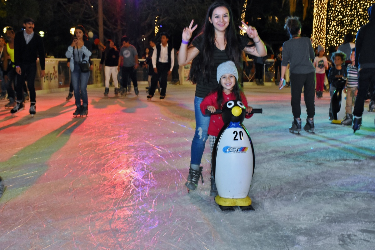 winter in los angeles bai holiday ice rink pershing square south pasadena news. Black Bedroom Furniture Sets. Home Design Ideas