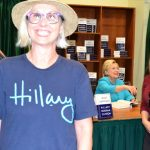 south-pasadena-news-12-01-17-south-pasadenans-meet-hillary-clinton (48)